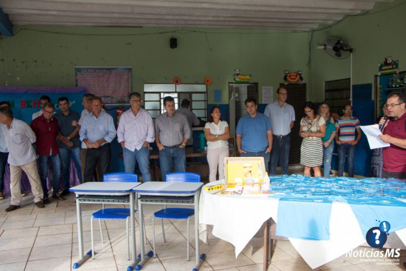 EntregaMaterialEscolar12022019-2