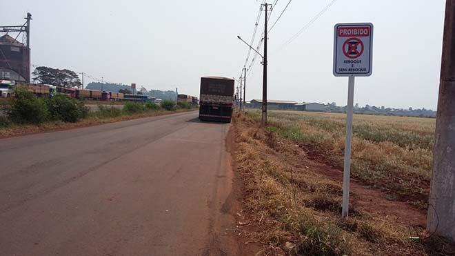 Maracaju: Reboque e Semi reboque proibido estacionar Perimetral Norte