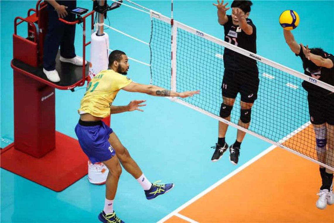 Brasil chega ao tri invicto na Copa do Mundo de Vôlei Masculino