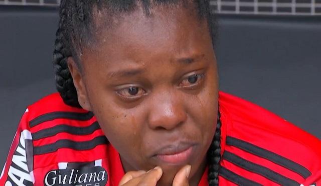Futebol Feminino: Estádio cheio, mesmo com torcida do rival Corinthians, emociona jogadora do São Paulo