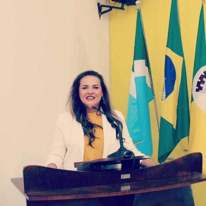 Vereadora Luzia Rocha realiza indicação a Secretaria de Saúde referente ao Plano de Vacinação do município de Juti