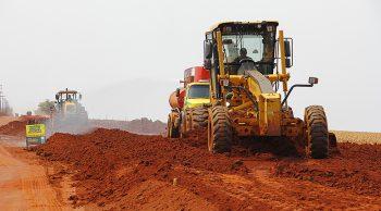 OBRAS-DE-PAVIMENTAÇÃO-EM-CAPÃO-SECO-FOTO-EDEMIR-rODRIGUES113_MG_3771-350x194