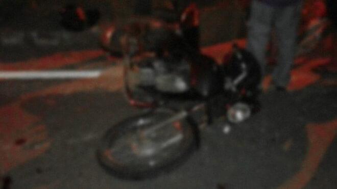 Motociclista é atropelado por caminhão em rodovia e morre durante socorro
