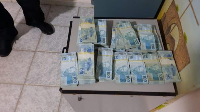 Prefeito de São Mateus, ES, é preso com R$ 400 mil em casa por suspeita de fraude em licitações