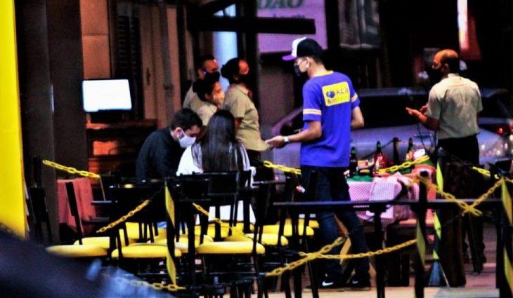 Com apoio do Governo, setor de bares e restaurantes aumenta as contratações e retoma movimento